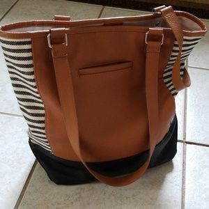 Thirty-one colorblock tote. Excellent condition